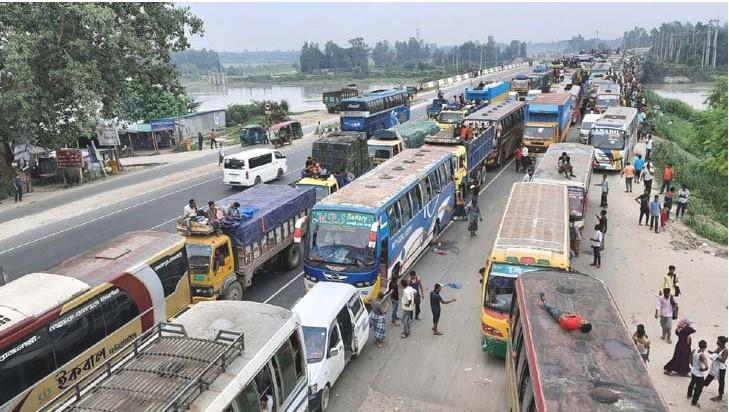 ঢাকা-টাঙ্গাইল-বঙ্গবন্ধু সেতু মহাসড়কে ২৫ কিলোমিটার যানজট